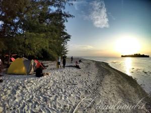 Spot camp pulau iyu pic