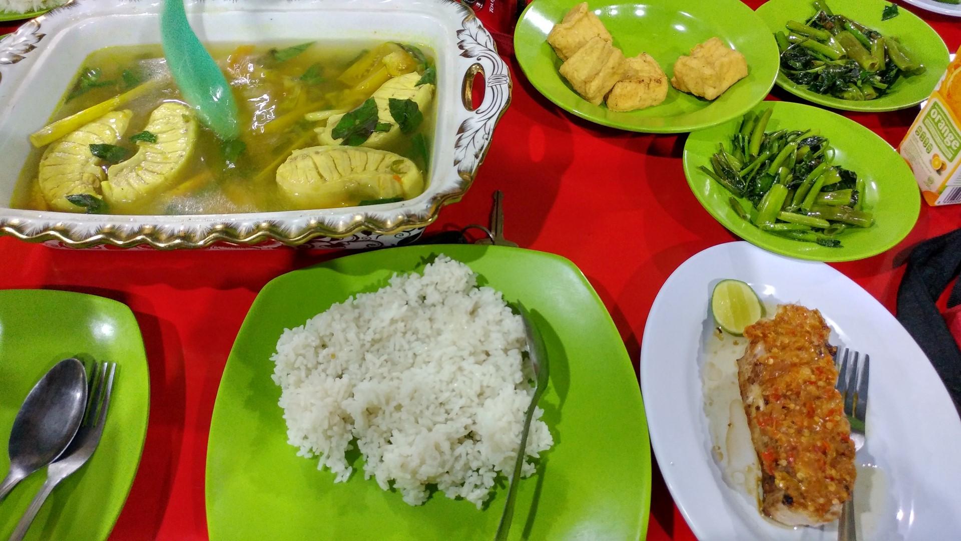 05_Limboto Seafood (Large).jpg