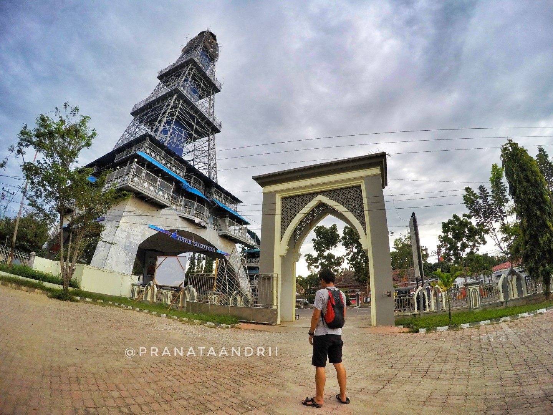 Menara Keagungan Limboto Gorontalo